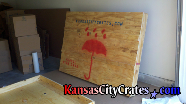 Wood crate for heavy glass table top at home in Kansas City KS  66112